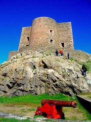 Fort de l'île aux Moines, dans l'archipel des Sept-Iles - Français:   Fort et batterie (Île aux moines)