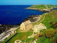 Fort de l'île aux Moines, dans l'archipel des Sept-Iles - La caserne du fort de l'Ile aux moines