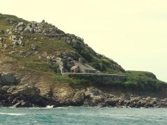 Fort de l'île aux Moines, dans l'archipel des Sept-Iles - Défense avant (devant l'embarcadère)