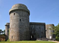 Château de la Hunaudaye - Deutsch: Südseite der Burgruine La Hunaudaye, Frankreich