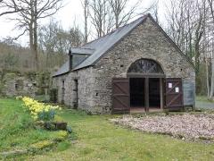 Abbaye de Boquen - Français:   Ancien moulin de l\'abbaye de Boquen transformé aujourd\'hui en salle d\'exposition (Plénée-Jugon, Côtes-d\'Armor)