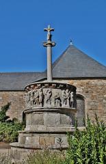 Cimetière - English: Chaire-Calvaire