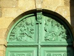 Eglise Saint-Pierre - Brezhoneg: Planiel. Iliz. Dor Veur 2