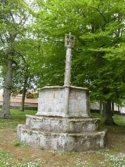 Chapelle Saint-Gonéry et cimetière - Français:   Face sud de la chaire à prêcher se trouvant dans l\'enclos paroissial de la chapelle Saint-Gonéry à Plougrescant