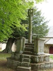 Chapelle Saint-Gonéry et cimetière - Français:   Face sud de la chaire à prêcher située dans l\'enclos paroissial de la chapelle Saint-Gonéry à Plougrescant