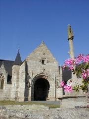 Eglise Notre-Dame des Grâces - Brezhoneg: Pluskelleg. Iliz & Kalvar. P9280031