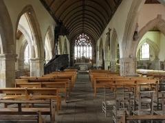 Eglise Notre-Dame et cimetière - Français:   Intérieur de l\'église Notre-Dame de Runan (22).