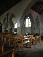 Eglise Notre-Dame et cimetière - Français:   Collatéral sud de l\'église Notre-Dame de Runan (22).
