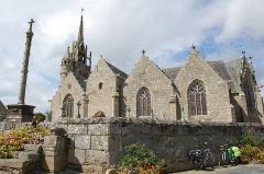 Eglise Notre-Dame de Trédrez et cimetière -  Enclos paroissial de Trédrez, France.