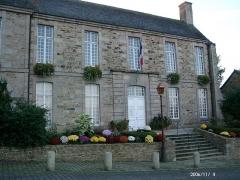 Ancien évêché, actuellement presbytère, mairie et hôtel de ville -  Town Hall of Treguier (Côtes d'Armor Brittany),