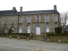 Ancien évêché, actuellement presbytère, mairie et hôtel de ville -  la mairie de treguier