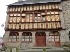 Maison d'Ernest Renan, acutellement musée Renan -  maison ancienne de treguier