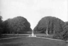 Château de Cheffontaines - Français:   Photographie ancienne du parc du château de Cheffontaines  par Gustave William Lemaire (1848-1920), datant probablement des environs de 1910