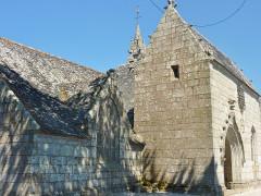 Eglise Saint-Hilaire - Français:   Clohars-Fouesnant: église paroissiale Saint-Hilaire, vue extérieure partielle
