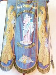 Eglise Notre-Dame d'Izel Vor - La Forêt-Fouesnant: église paroissiale Notre-Dame d'Izel-Vor, bannière de procession