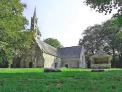 Chapelle de Saint-Cado ou Saint-Cadou - Français:   Chapelle Saint-Cadou de Kerzinaou