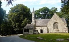 Chapelle de Saint-Cado ou Saint-Cadou - Français:   Gouesnach: chapelle Saint-Cadou, vue extérieure d\'ensemble
