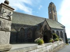 Eglise Saint-Pierre et Saint-Paul -  Vue depuis la rue de Paris; l'église Saint-Pierre et Saint-Paul de Guipavas