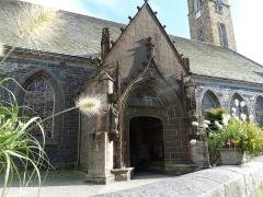 Eglise Saint-Pierre et Saint-Paul -  Entrée de l'église Saint-Pierre et Saint-Paul de Guipavas