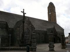 Eglise Saint-Pierre et Saint-Paul - English: the parish church in Guipavas