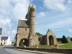 Eglise Saint-Maudez - Français:   Henvic: la vieille église