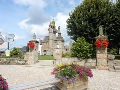 Eglise Saint-Maudez - Français:   Henvic: la vieille église et l\'enclos paroissial