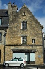 Maison du 16e siècle, dite des Treize Lunes - English: House/Inn of the 13 Moons, Landerneau