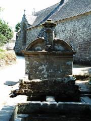 Chapelle Notre-Dame-de-Bonne-Nouvelle - Deutsch: Locronan Quellenheiligtum