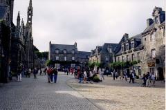 Place de l'Eglise -  FRANCIA Locronan