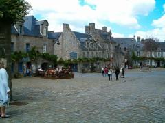 Place de l'Eglise - Nederlands:   Locronan, Bretagne