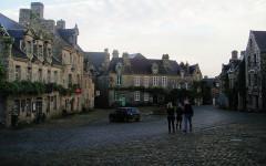 Place de l'Eglise -  Locronan