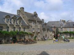 Place de l'Eglise - English:   Locronan, Finistère, Brittany