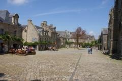 Place de l'Eglise - Deutsch:   Marktplatz in Locronan, FR, Bretagne