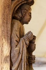Maison dite à lanterne -  Morlaix, la maison à pondalez. Statue de Saint-Jean-l'Évangéliste.