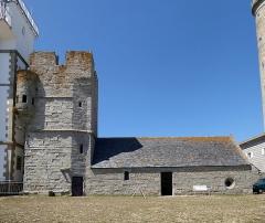 Tour et chapelle Saint-Pierre - Français:   Chapelle Saint-Pierre (Penmarch)