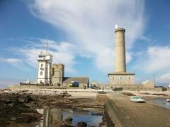 Tour et chapelle Saint-Pierre - Français:   Penmarc\'h (Finistère sud), l\'ancien phare et le sémaphore