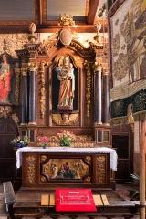 Eglise Saint-Pierre et chapelle funéraire - Brezhoneg: Iliz Sant-Pêr Pleiber-Krist: aoter Sant Jozef ha banniel Sant-Pêr.