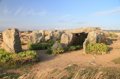 Presqu'île de la Torche ou Bogan Dorchenn - Deutsch:   Der Dolmen Beg an Dorchenn auf der Pointe de la Torche, Bretagne.
