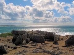 Presqu'île de la Torche ou Bogan Dorchenn - Deutsch:   Dolmen von Pointe de la Torche, Finistère