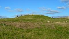 Presqu'île de la Torche ou Bogan Dorchenn - Français:   Tumulus de Beg an Dorchenn (pointe de la Torche), en Plomeur, pays Bigouden, Finistère, Bretagne. Au sommet, le dolmen.