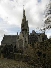 Eglise Notre-Dame de Roscudon - Français:   Chevet de la collégiale Notre-Dame-de-Roscudon à Pont-Croix (29).