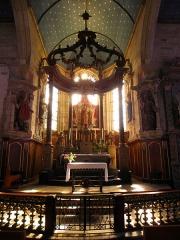 Chapelle Notre-Dame de Kergoat - Français:   Intérieur de la chapelle Notre-Dame-de-Kergoat en Quéménéven (29). Maître-autel.