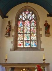 Eglise de la Trinité de Kerfeunteun - Français:   L\'église de la Trinité à Quimper-Kerfeuteun; un vitrail (arbre de Jessé)