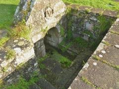 Eglise de la Trinité de Kerfeunteun - Français:   La fontaine du placître de l\'église de la Trinité à Kerfeuteun