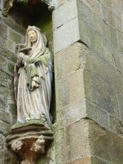 Eglise Notre-Dame-de-l'Assomption ou de Saint-Michel - Français:   Quimperlé Eglise Notre-Dame de l\'Assomption Statue vierge allaitante