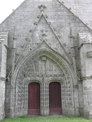 Chapelle du Moustoir - Français:   Portail de la façade occidentale de la chapelle du Moustoir en Rosporden (29).