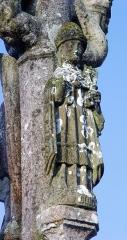 Eglise Saint-Pierre - Deutsch: Saint-Hernin (Bretagne, Finistère) Calvaire.  An der Rückseite des Mittelpfeilers Petrus mit dem Schlüssel.