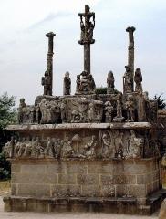 Chapelle Notre-Dame-de-Tronoën - Le calvaire de Notre-Dame-de-Tronoën (XVe siècle)