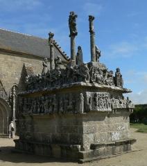 Chapelle Notre-Dame-de-Tronoën - English: Calvaire in Notre Dame de Tronoën; Brittany, France,  Sotuh-west side