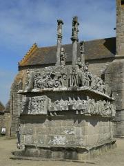 Chapelle Notre-Dame-de-Tronoën - English: Calvaire in Notre Dame de Tronoën; Brittany, France,  south-Side